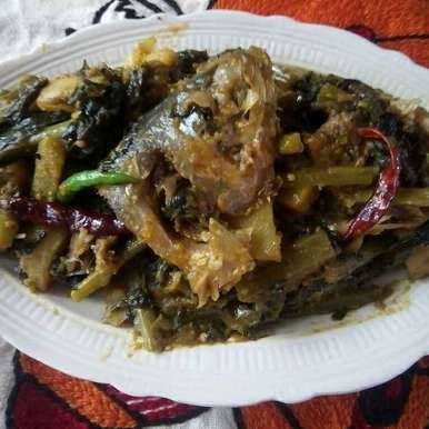 Photo of Hilsa macher Matha diea pui shak by শংকরী পাঠক at BetterButter