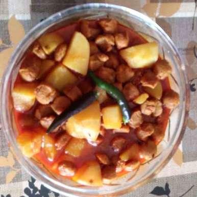 Soyabin curry recipe in Bengali,সয়াবিন র লাল-হলুদ গঙ্গা-যমুনা, দেবনীতা দাস