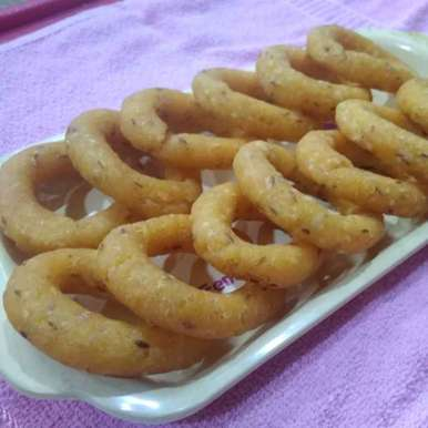 Photo of Soft rice flour rings. by దూసి గీత at BetterButter