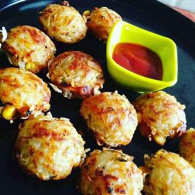 Aalu ke cheese corn appe recipe in Hindi,आलू के चीज़ कॉर्न अपपे, Abhilasha Gupta