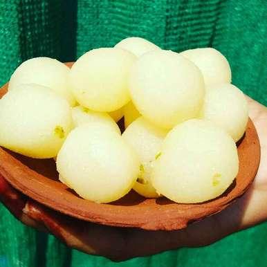 Dudh ke rasgulle recipe in Hindi,दूध के रसगुल्ले, Abhilasha Gupta