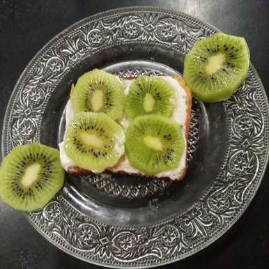 Photo of Kiwi open sandwich by Aachal Jadeja at BetterButter