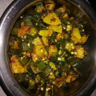 Spicy aloo bhindi, How to make Spicy aloo bhindi