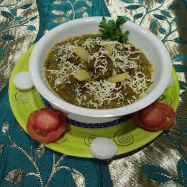 Photo of Bottlegourd Gooseberry Kofta in Spinach Gravy by Aachal Jadeja at BetterButter