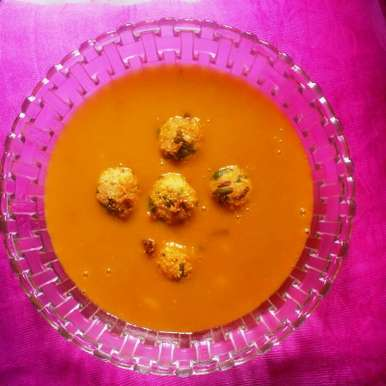 Photo of Tofu & Spinach Balls in Veggie Soup by Abhinetri V at BetterButter