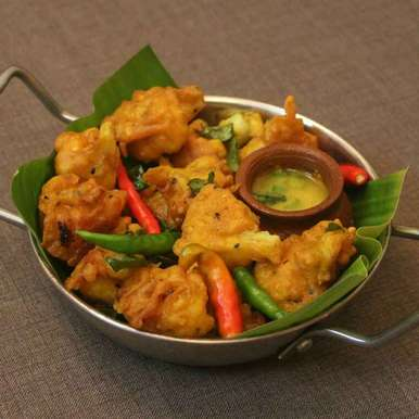 Photo of Cauliflower Pakora by Adwiti Mukhopadhyay Ray at BetterButter