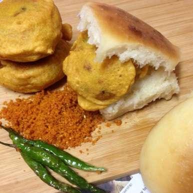 Vada Pav recipe in Telugu,వాడా పావ్ , Afroz Shaikh
