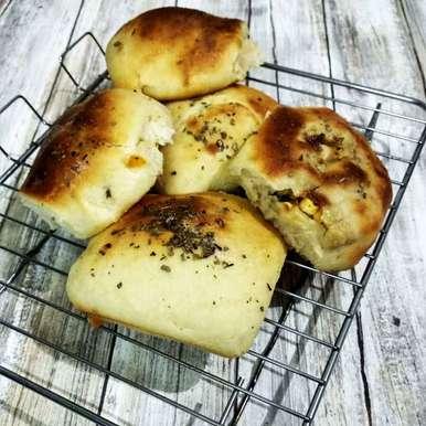 Photo of Garlic stuffed buns by Alka Munjal at BetterButter