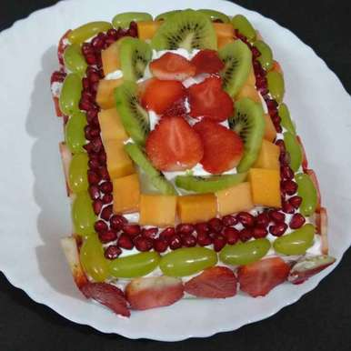 Photo of Fresh Fruits cake by Alka Munjal at BetterButter