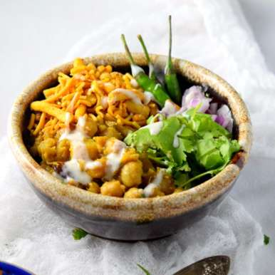 Photo of Dahi Misal (Warm Chickpea Chaat) by Amishi Gadodia at BetterButter