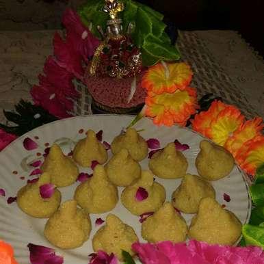Mava modak recipe in Hindi,मावा मोदक, Anita Anand