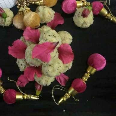 Photo of Nariyal mava aur gond ke laddu by Anita Gupta at BetterButter