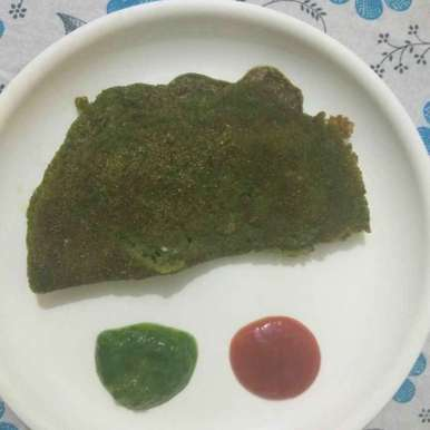 Photo of Spinch moong daal chilla by anita uttam patel at BetterButter
