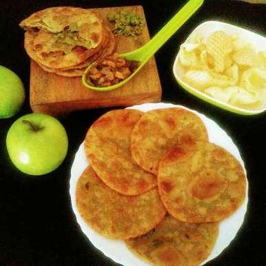 Green peas puri with green apple chutney recipe in Hindi,हरे मटर की भरवां पूड़ी हरे सेब की चटनी के साथ, Anjali Valecha