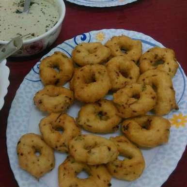 Photo of Urad dal vadai/ Methu vadai by Asiya Omar at BetterButter