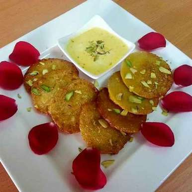 Rabdi Malpuva recipe in Gujarati, રબડી માલપુડા, Avani Desai