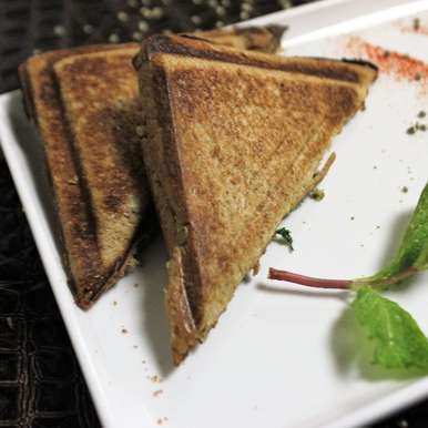 Stuffed Bajra Sandwich, How to make Stuffed Bajra Sandwich