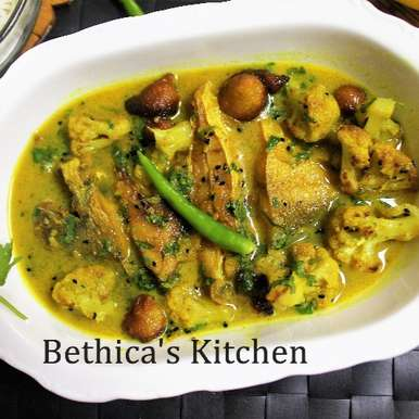 Photo of Pomfret Macher Jhol  (Bengali Style Pomfret Fish Curry) by Bethica Das at BetterButter