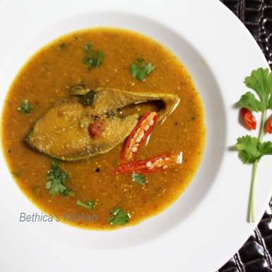 Photo of Ilish Maacher Tomato Shorshe Jhaal (Fish in Tomato-Mustard Gravy - Bengali Style) by Bethica Das at BetterButter