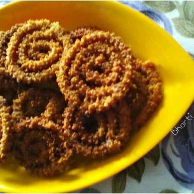 Photo of Leftover Roti Chakri by Bharti Khatri at BetterButter