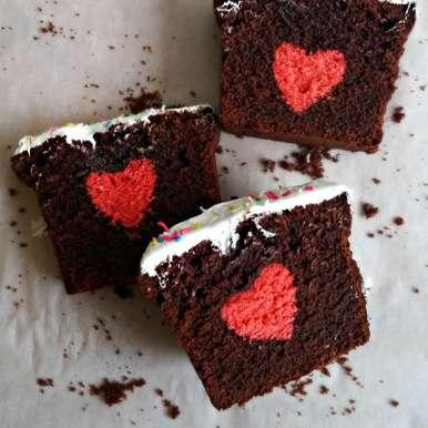 Hidden Heart Cake /  Surprise Cake  /   Valentine Cake recipe in Tamil,இதயம் மறைந்துள்ள கேக்/ஆச்சர்யமளிக்கும் கேக்/ வேலண்டைன் கேக், Bhawya Sankar