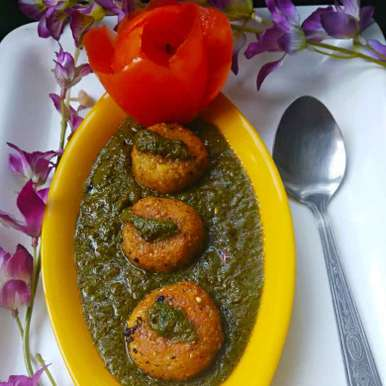 Photo of Paneer daliya kofta in palak gravy by Bishakha Kumari Saxena at BetterButter