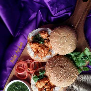 Photo of Chicken tikka in a bun by Bobby Kochar at BetterButter