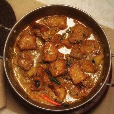 Chanar Dalna - Bengali Style -Cottage Cheese Kofta Curry