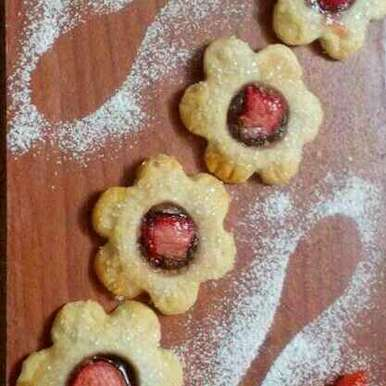 Photo of Strawberry linzer cookies by Chandu Pugalia at BetterButter