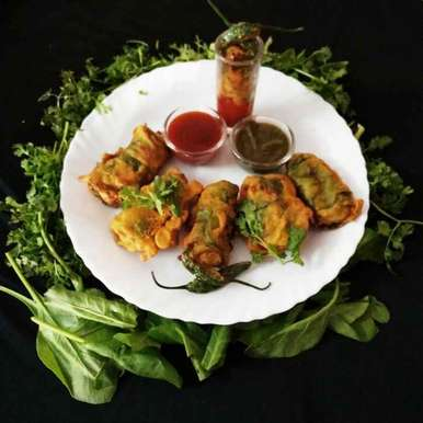 Photo of Chatpate palak roll by Chavi Gupta at BetterButter
