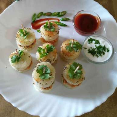 Photo of Aalu paneer stuffed idli sandwich by Chavi Gupta at BetterButter