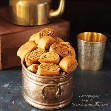 Photo of Baked Dry Bhakarwadi by Jagruti D at BetterButter