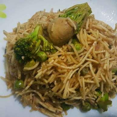 Photo of Stir-fried Vegetable Noodles by debashri chatterji at BetterButter