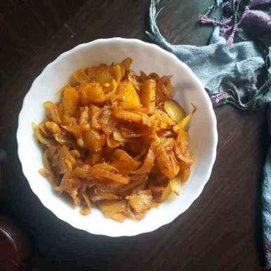 Onions potatoes sabji recipe in Gujarati, ડુંગળી બટેટા નું શાક, Dipika Ranapara