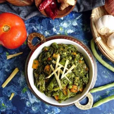 Photo of Mixed Vegetables in Spinach Gravy by Drashti Dholakia at BetterButter