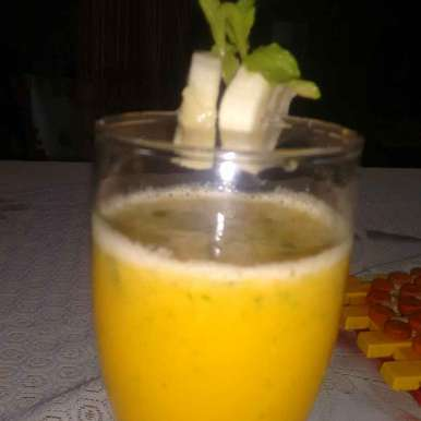 Photo of Orange Banana Smoothie with Mint Flavor by Durgesh Srivastava at BetterButter