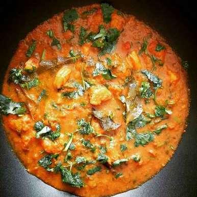 Photo of Maharashtrian Prawns Curry by Farheen Dalvi at BetterButter