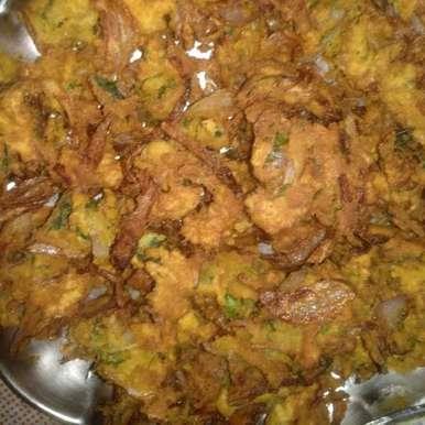 Onion pakoda recipe in Telugu,ఉల్లి పకోడి, Ganeprameela