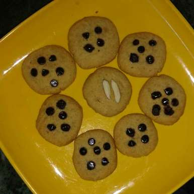 Photo of Aata besan biscuits by Geeta Hemit at BetterButter