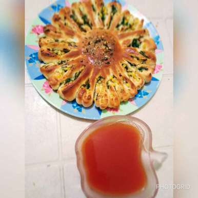 Photo of Stuffed Sunflower Bread by Gopi Vithalani at BetterButter