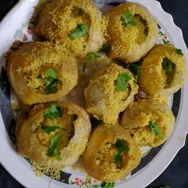 Ragda panipuri recipe in Gujarati, રગડા પાણીપુરી, Hanika Thadani