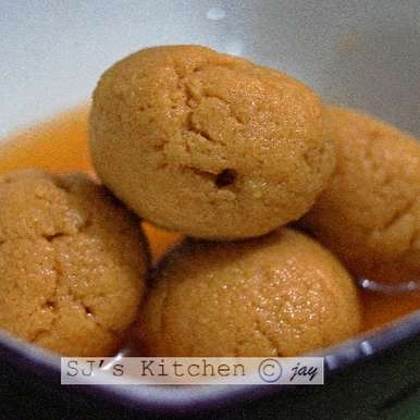 Photo of NOLEN GUR RASOGOLLA (DATE PALM JAGGERY RASGULLA) by Sanchari Jayanta at BetterButter