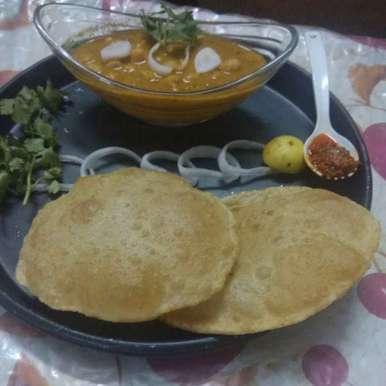 Bhature recipe in Gujarati, ઘઉં ના લોટ ના ભટૂરે..., Jhanvi Chandwani