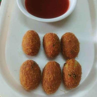Bachi hui roti ke aalu roll recipe in Hindi,बची हुई रोटी के आलू रोल, Jigisha Jayshree