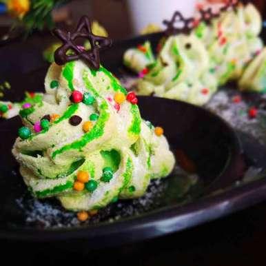 Christmas Tree Meringue.Christmas Tree Meringue Cookie