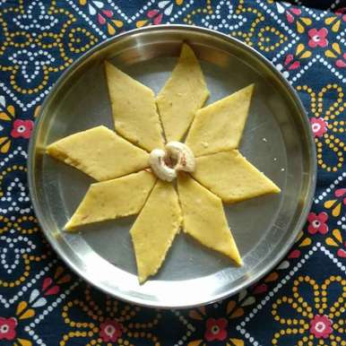 Saffron Kaju katari recipe in Gujarati, કેસર કાજુ કતરી, Kavi Nidhida