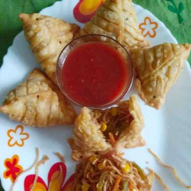 Photo of Noodle samosa by Kirti Das at BetterButter