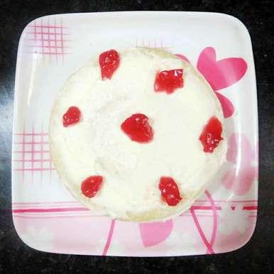 Photo of Vanila cake with butter cream by Jyoti bairwa at BetterButter