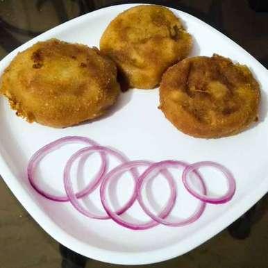 Photo of Potato cutlet with keema filling by Lopamudra Mukherjee at BetterButter