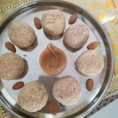 Photo of Makana gond dry fruit laddu by Mahesh Gk at BetterButter